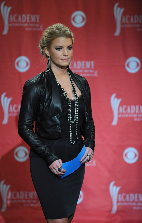 Jessica Simpson Looking Fine At CMA Nominations.  Photo: Splashnewsonline.com
