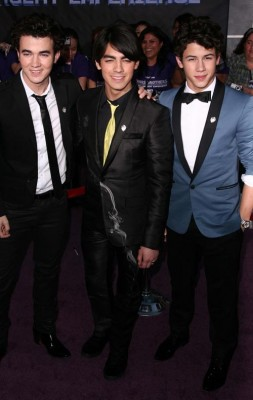 Jonas Brothers Attend Own Premiere.  Photo: Splashnewsonline.com