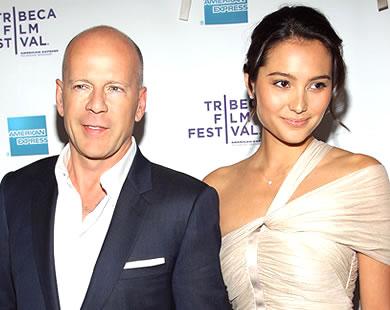 Bruce Willis & Emma Heming Get Married.  Photo: Etonline.com