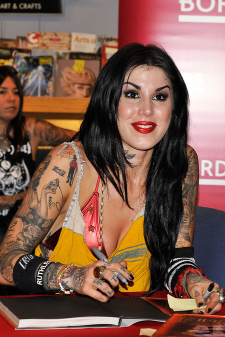 Kat von D takes her INK to Border's Book Store. Photo:Splashnewsonline.com