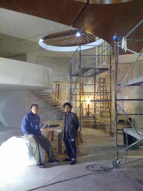 Jon Favreau & Matthew Libatique On The Set Of Iron Man 2.  Photo: Jon Favreau