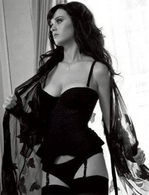 Katy Perry&#039;s Black &amp; White Number.  Photo: Esquire.com