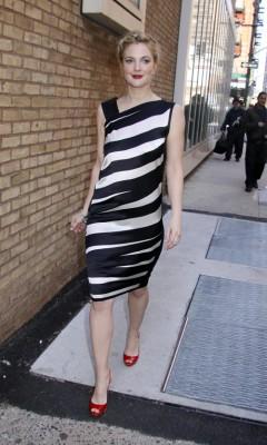 Drew Barrymore Leaving Live.  Photo: splashnewonline.com