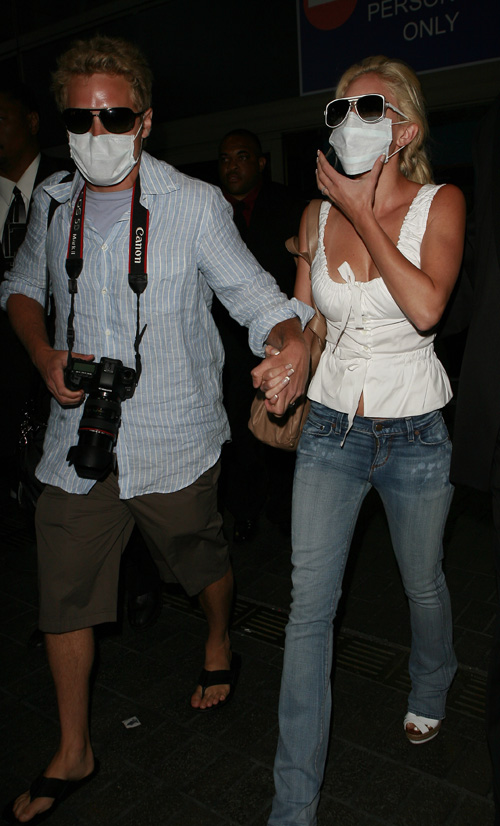 Spencer Pratt & Heidi Montag Cover Up In L.A.  Photo: Flynetonline.com