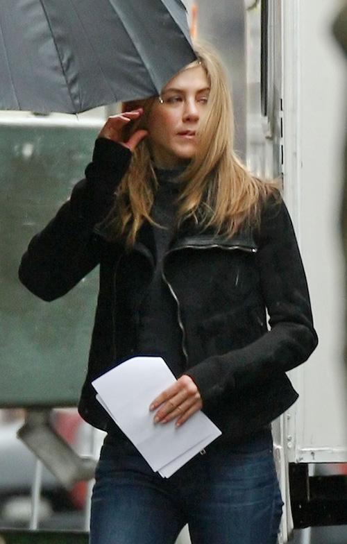 "Jennifer Aniston On The Set Of ""The Baster"" Photo: Splashnewsonline.com"
