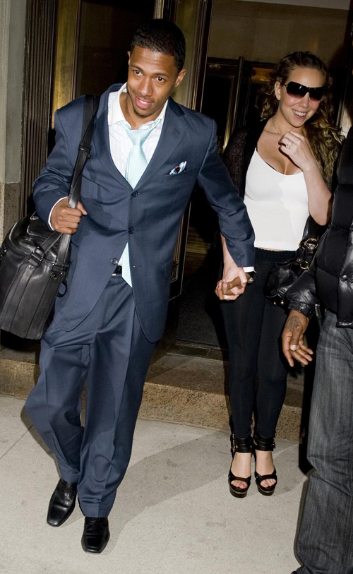Mariah Carey & Nick Cannon Headed Out of NYC.  Photo: PacificCoastNewsOnline.com