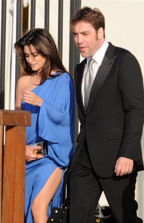 Penelope Cruz & Javier Bardem In Italy.  Photo: Flynetonline.com