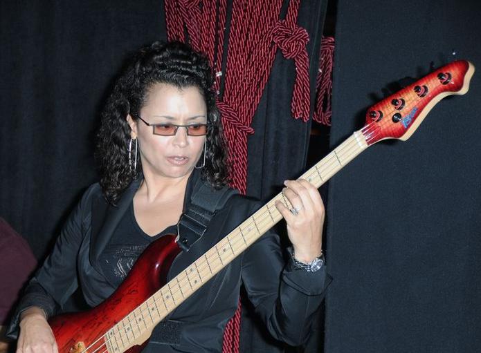 Drfunkenberry.com Exclusive.  Rhonda Smith At The AquaLounge.  Photo: Seren Dipity