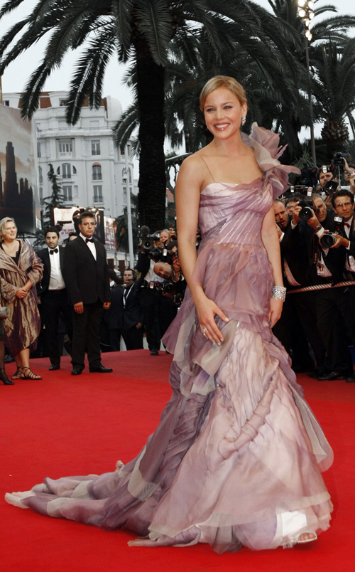 "Abbie Cornish Arrives For ""Bright Star"" @ Cannes.  Photo: REUTERS/Eric Gaillard"