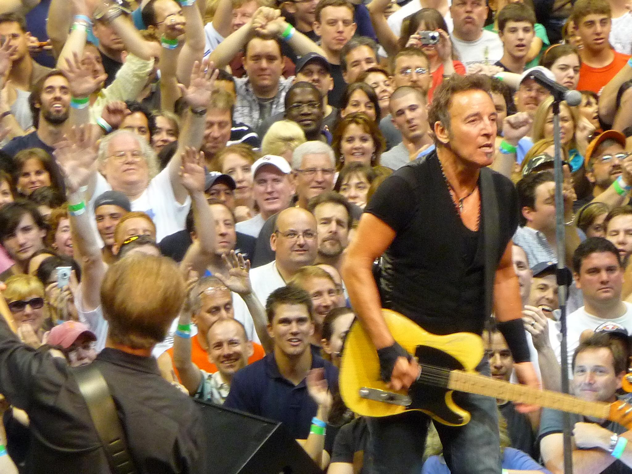 DrFunkenberry.com Exclusive! Bruce Springsteen Live.  Photo. G. Dicker