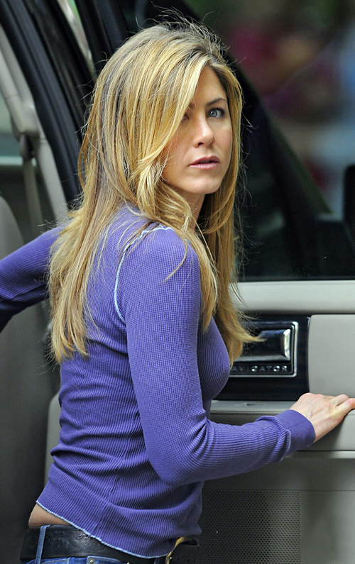 Jennifer Aniston Is Blue.  Photo: BauerGriffen.com