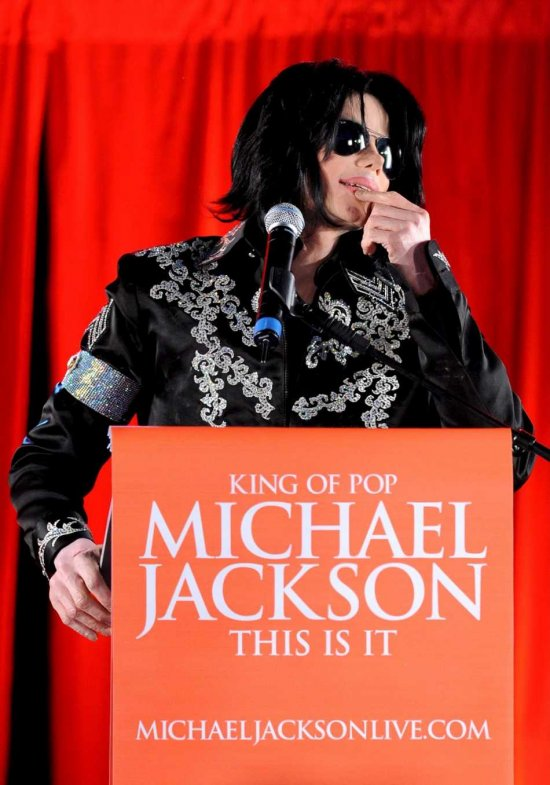 Michael Jackson Announces 02 Dates.  File Photo