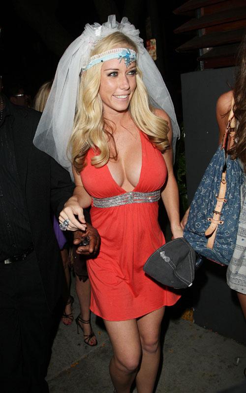 Kendra Wilkenson Celebrating At Her Bachelorette Party.  Photo: Splashnewsonline.com