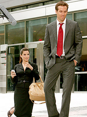 Sandra Bullock & Ryan Reynolds On The Proposal Set.  Photo: Touchstone Pictures