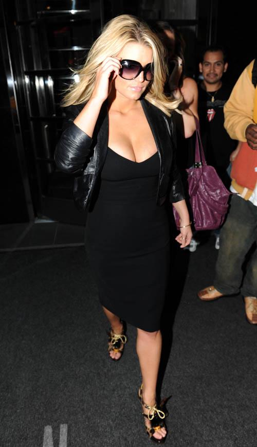 Jessica Simpson In New York City:  Photo: Dario Aleuqin/INFphoto.com