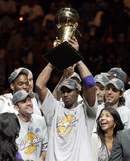 Kobe Bryant & The Los Angeles Lakers Celebrate.  Photo: AP Photo/David J. Phillip