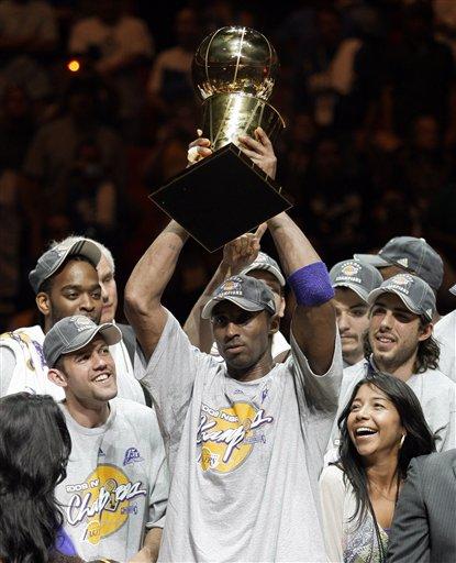 Kobe Bryant & The Los Angeles Lakers Celebrate.  Photo: AP Photo/David J. Phillip
