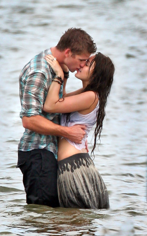 "Liam Hemserth & Miley Cyrus In ""Last Song""  Photo: SplashNewsOnline.com"
