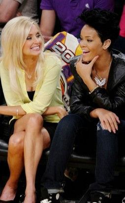 Rihanna Takes In Laker Game.  Photo: Gettyimages.com