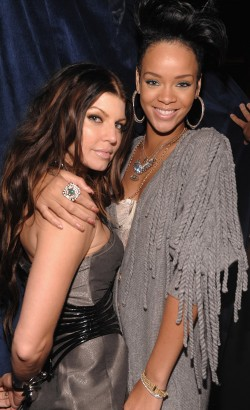Rihanna & Fergie Hanging Out.  Photo: Flynetonline.com