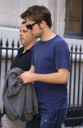 "Robert Pattinson On Set of ""Remember Me""  In Manhattan.  Photo: Splashnewsonline.com"
