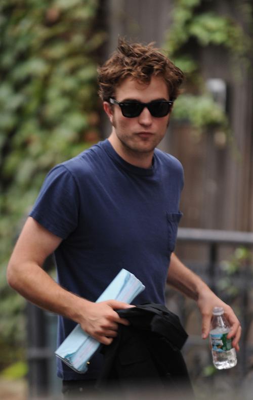 Robert Pattinson On Scene Over The Weekend.  Photo: SplashNewsOnline.com