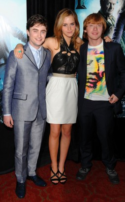 "Daniel Radcliffe, Emma Watson, & Rupert Grint Attend The New York Premiere of ""Half-Blood Prince""  Photo: Dimitrios Kambouris/WireImage.com"