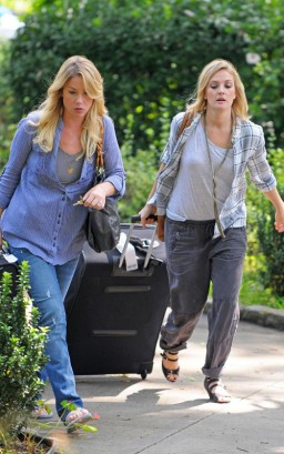 Christina Applegate & Drew Barrymore On The Set Of Going The Distance. Photo: PacificCoastNewsOnline.com