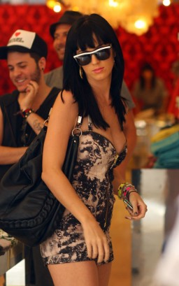 Katy Perry Out To Pout In NYC.  Photo: SplashNewsOnline.com