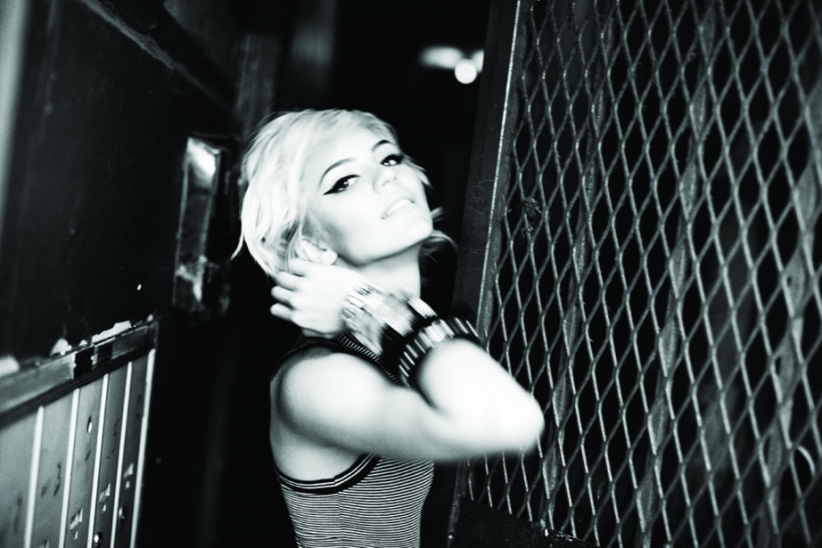 Katharine McPhee Goes Blonde.  Photo: Ellen von Unwerth