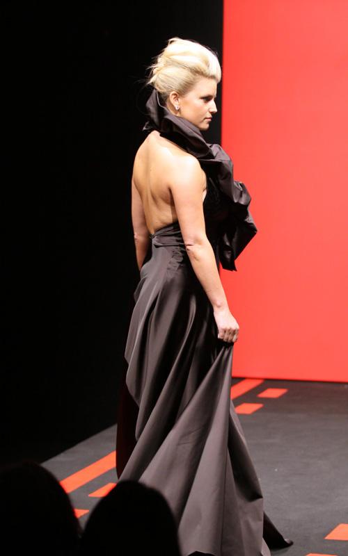Jessica Simpson Black Dress Splash News