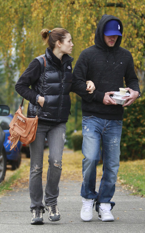 Jessica Biel & Justin Timberlake In Vancouver. Photo: FlynetOnline.com
