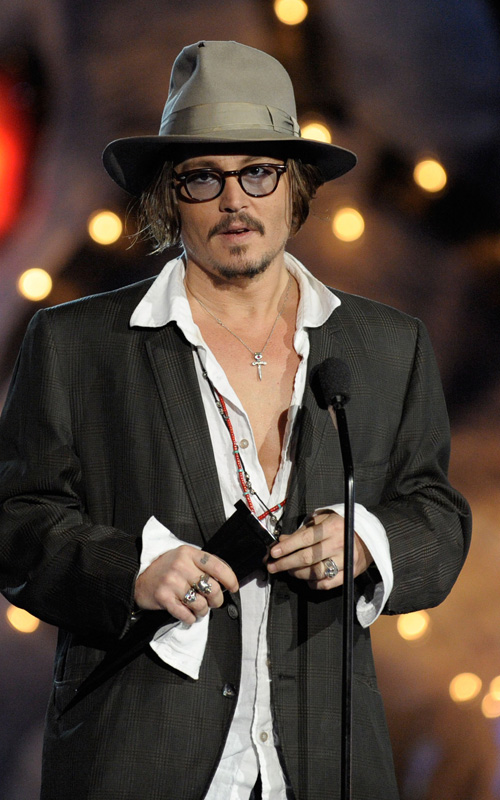 Johnny Depp Honors Keith Richards. Photo: GettyImages.com