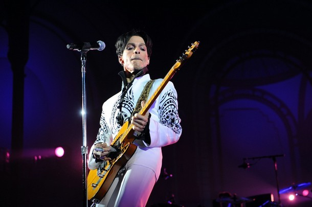 Prince performs in Paris, 2009.
