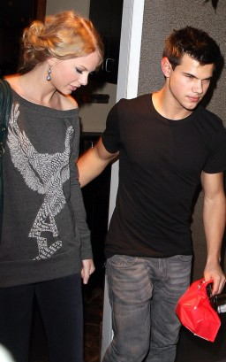 Taylor Lautner & Taylor Swift. 10/28/09 Photo: SplashNewsOnline.com