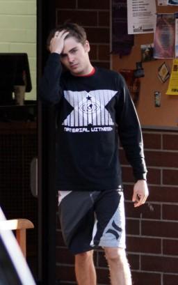 Zac Efron In Canada, Eh? photo: INFDaily.com