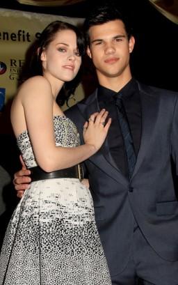 Kristen Stewart & Taylor Lautner.  Photo: GettyImages.com