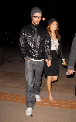 Justin Timberlake & Jessica Biel Together 11/08/09  Photo: Famepictures.com