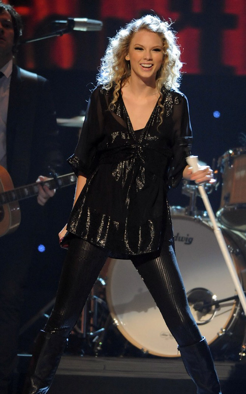 Taylor Swift At The CMA's.  Photo: GettyImages.com