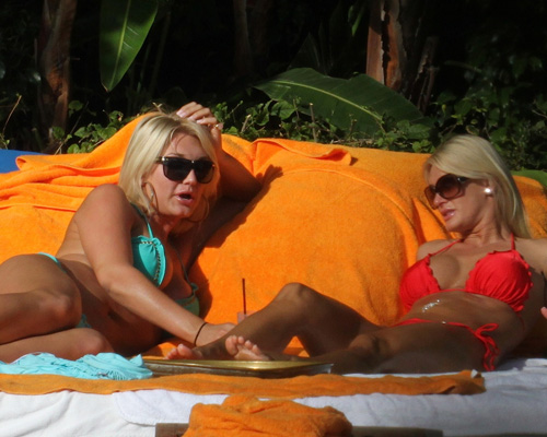 Brooke Hogan & Jennifer McDaniel.  Photo: SplashNewsOnline.com