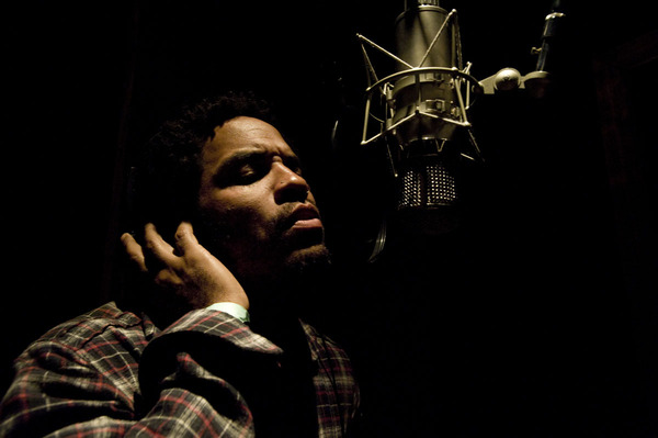 Lenny Kravitz In Recording Studio.  Photo: http://twitpic.com/siikx