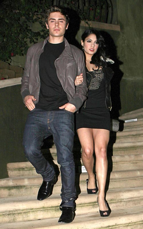 Zac Efron And Vanessa Hudgens Photo: Flynetonline.com