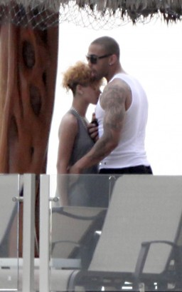 Matt Kemp & Rihanna.  Photo: SplashNewsOnline.com