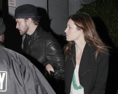 Justin Timberlake & Jessica Biel Attend Radiohead Beneift Show
