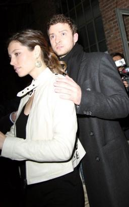 Justin Timberlake & Jessia Biel.