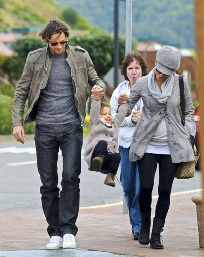 Gabriel Aubry and Halle Berry swing their daughter, Nahla | nationalphotogroup.com