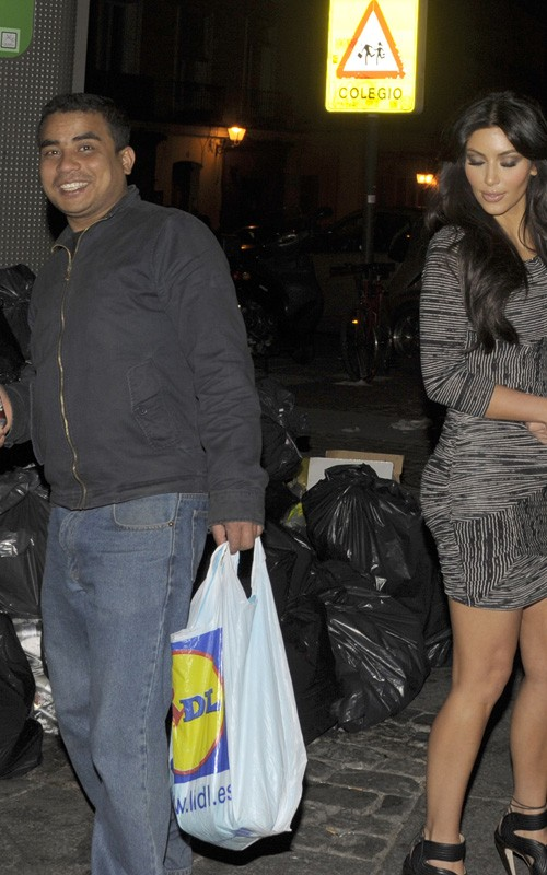 Kim Kardashian & Some Dude. Photo: SplashNewsOnline.com