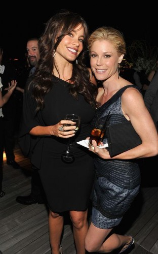 Sofia Vergara & Julie Bowden. Photo: GettyImages.com