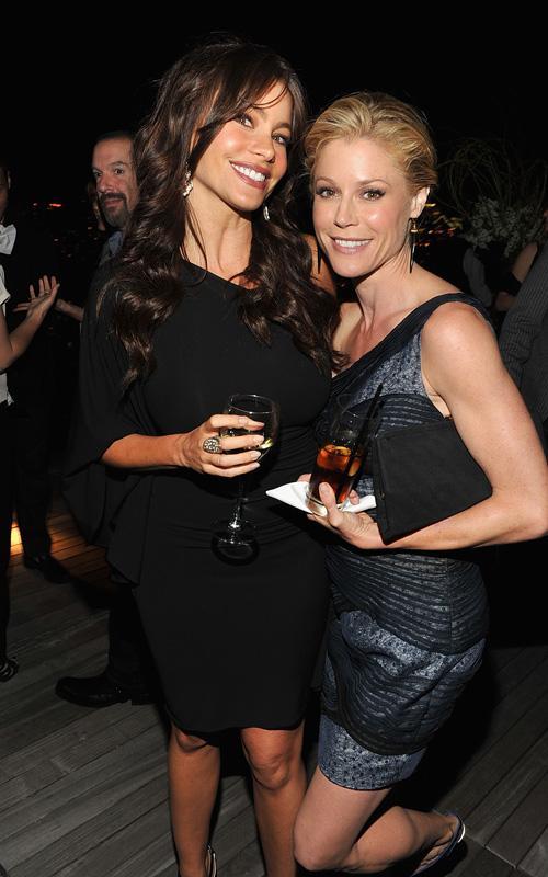 Sofia Vergara & Julie Bowden. Photo: GettyImages.com
