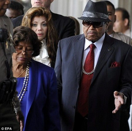 Katherine Jackson, Joe Jackson, &amp; Latoya Jackson. Photo: TheDailyMail.co.uk